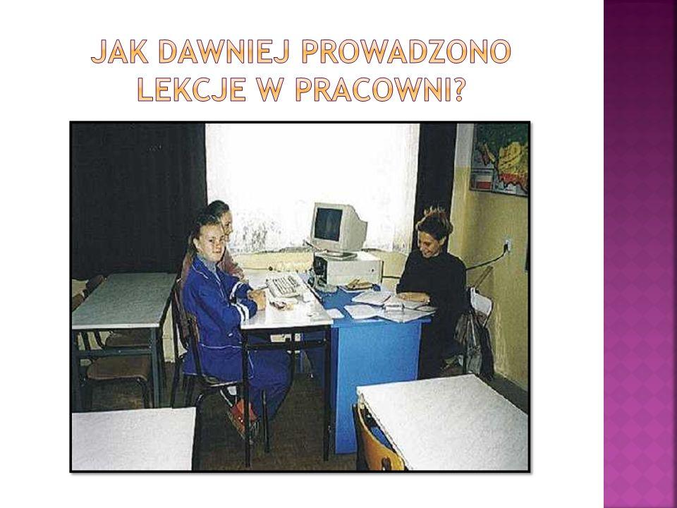 15.Uczniowie mają możliwość korzystania z Internetu w szkole, jeśli nie posiadają w domu np.