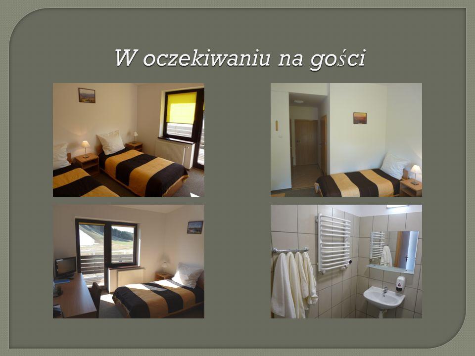WOSiR Szelment dysponuje 39 miejscami noclegowymi w pokojach 2 i 3 osobowych z pełnym węzłem sanitarnym, TV, telefon.