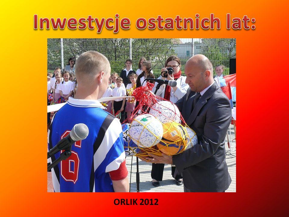 Mirosławiec zbudowano na planie prostokąta o regularnym układzie ulic, u wylotu których znajdowały się bramy: Łowicka przy drodze zachodniej, Grobelna