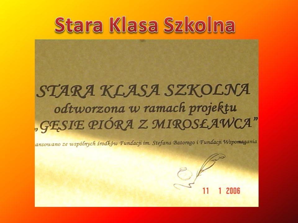 Po długich staraniach popartych składanymi wnioskami udało się, Gmina Mirosławiec wybudowała w ramach ministerialnego projektu Boisko w mojej gminie –