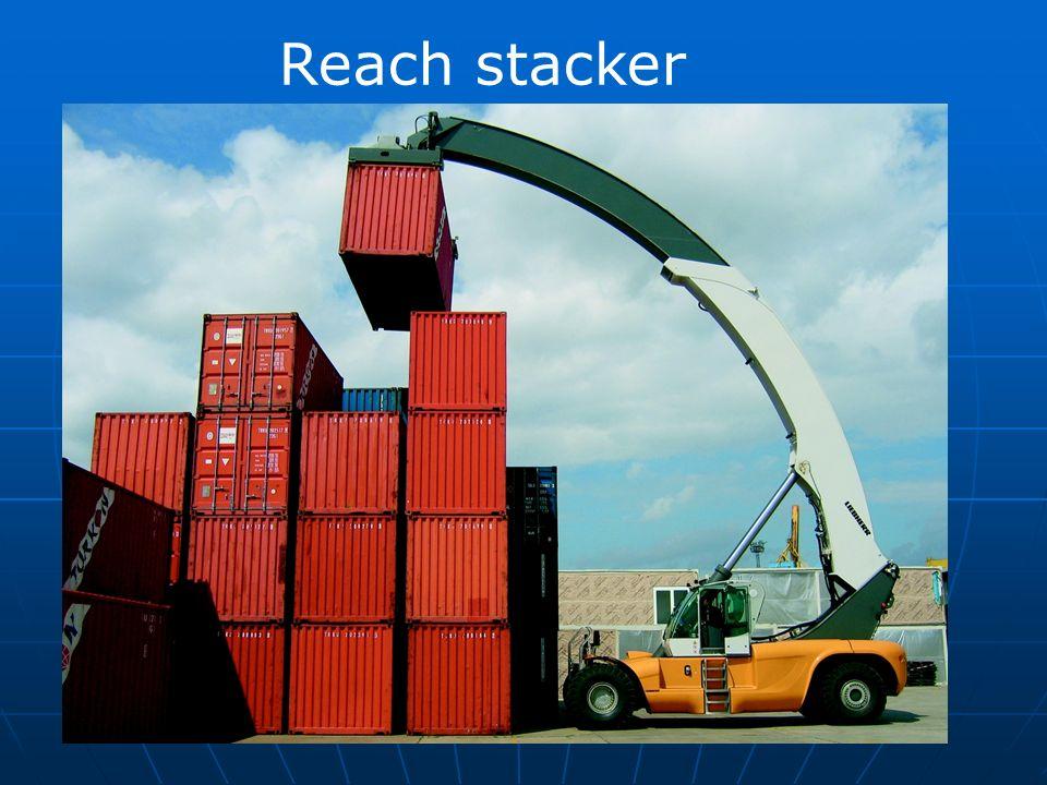 Reach stacker