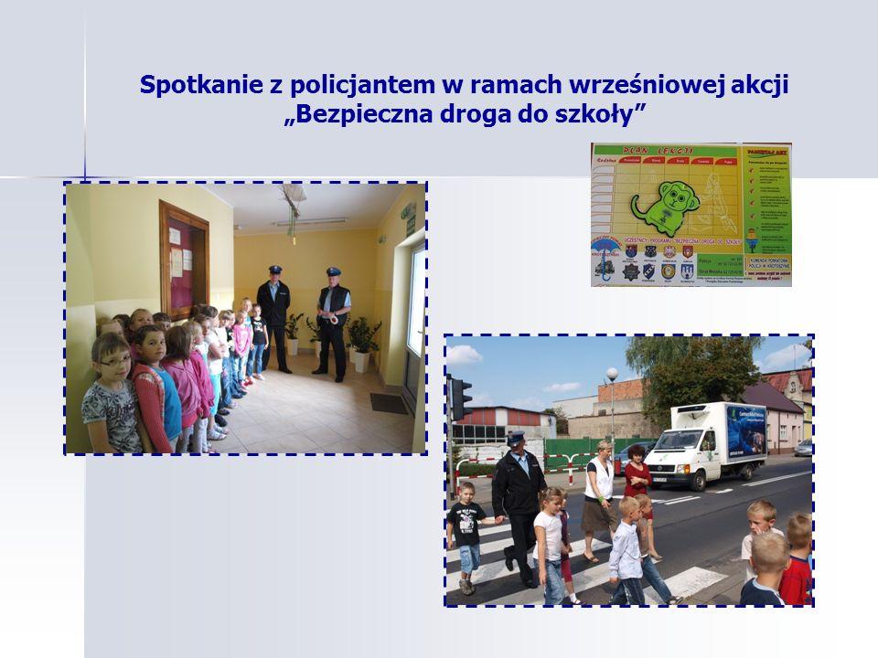 Spotkanie z policjantem w ramach wrześniowej akcji Bezpieczna droga do szkoły