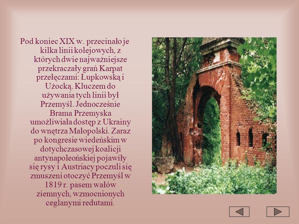 Pod koniec XIX w. przecinało je kilka linii kolejowych, z których dwie najważniejsze przekraczały grań Karpat przełęczami: Łupkowską i Użocką. Kluczem