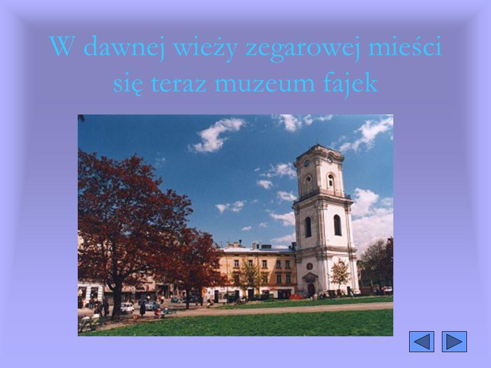 W dawnej wieży zegarowej mieści się teraz muzeum fajek