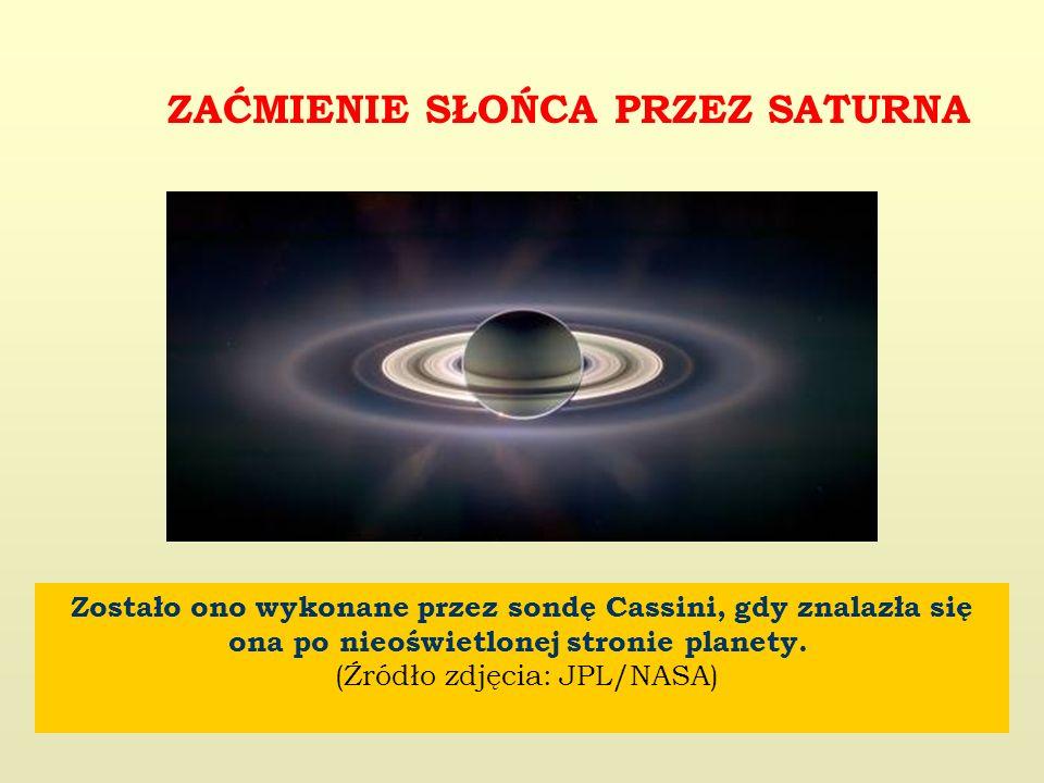 Zostało ono wykonane przez sondę Cassini, gdy znalazła się ona po nieoświetlonej stronie planety.