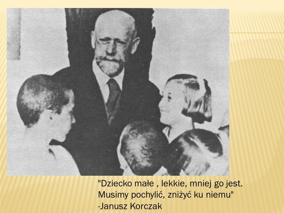 Korczak urodził się w Warszawie w spolonizowanej rodzinie żydowskiej,żydowskiej jako syn adwokata Józefa Goldszmita (1844-1896) i Cecylii z domu Gębickiej (1853/4–1920).