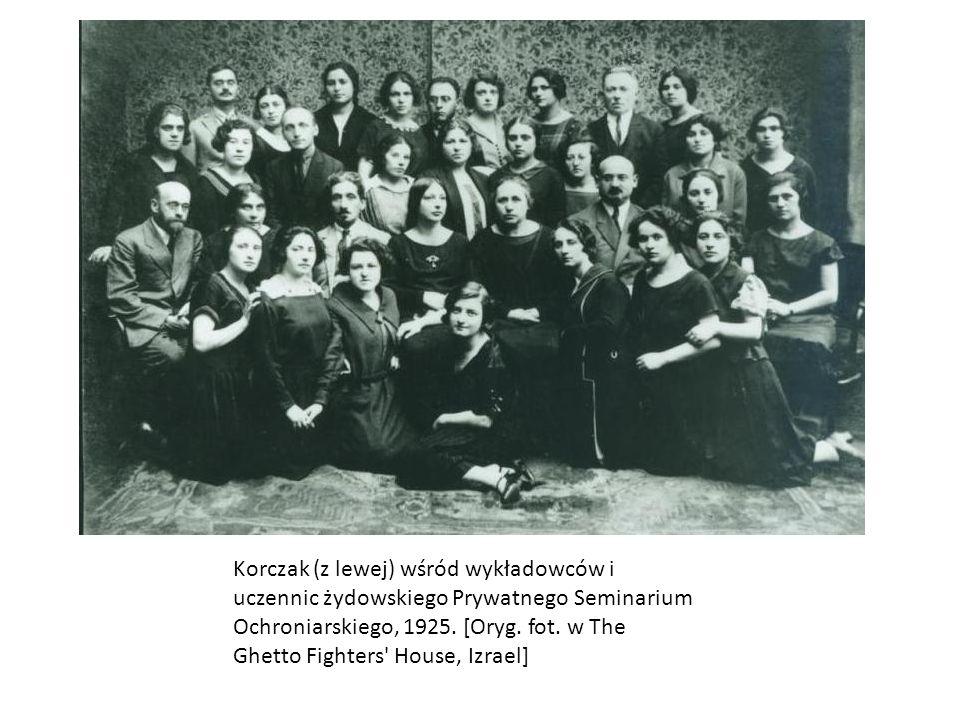 Wykładowcy i studenci Państwowego Instytutu Pedagogiki Specjalnej, 1925/26; w środku (od lewej) Maria Grzegorzewska - dyrektorka, Władysława Weychert-Szymanowska, Korczak.