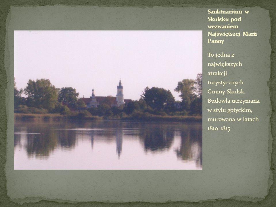 To jedna z największych atrakcji turystycznych Gminy Skulsk. Budowla utrzymana w stylu gotyckim, murowana w latach 1810-1815.