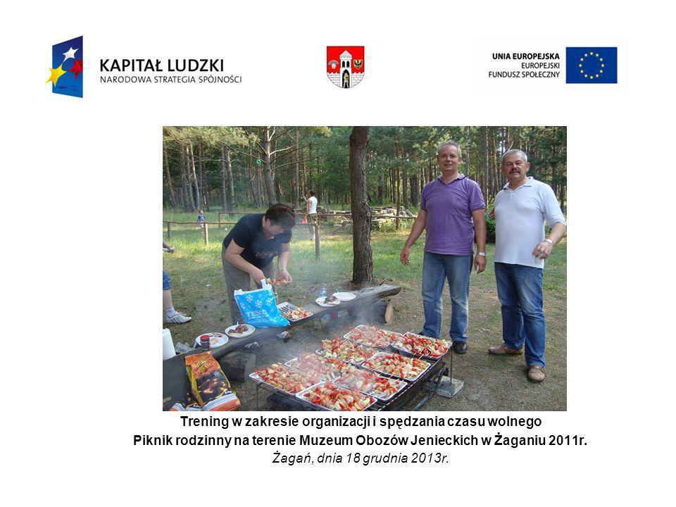Trening w zakresie organizacji i spędzania czasu wolnego Piknik rodzinny na terenie Muzeum Obozów Jenieckich w Żaganiu 2011r.