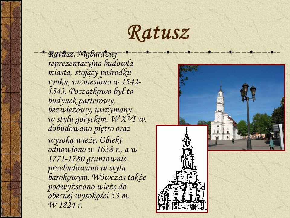 Ratusz Ratusz. Najbardziej reprezentacyjna budowla miasta, stojący pośrodku rynku, wzniesiono w 1542- 1543. Początkowo był to budynek parterowy, bezw