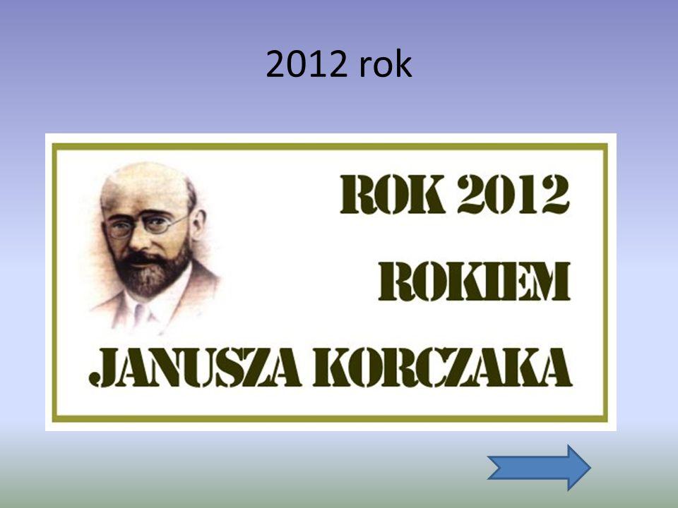 Śmierć Janusza Korczaka Janusz Korczak zmarł śmiercią tragiczną. Poświęcił się wchodząc do komory gazowej na własną odpowiedzialność, żeby towarzyszyć
