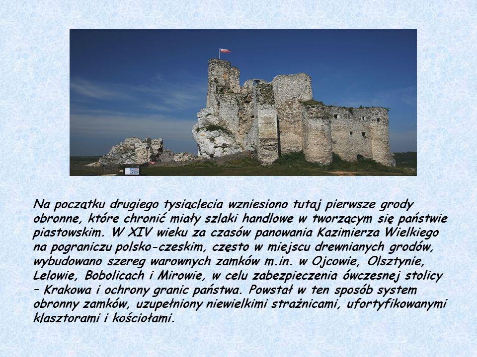 Zamek Ogrodzieniec – ruiny średniowiecznego zamku leżącego w Jurze Krakowsko- Częstochowskiej wzniesionego w XIV-XV wieku przez ród Włodków Sulimczyków, później przebudowywanego.