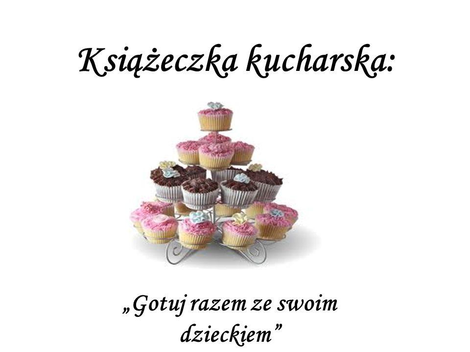 Babeczki Składniki na ciasto do babeczek: 1 margaryna 3 szklanki mąki 1 jajko 1 szklanka cukru pudru 1 cukier waniliowy Wykonanie.