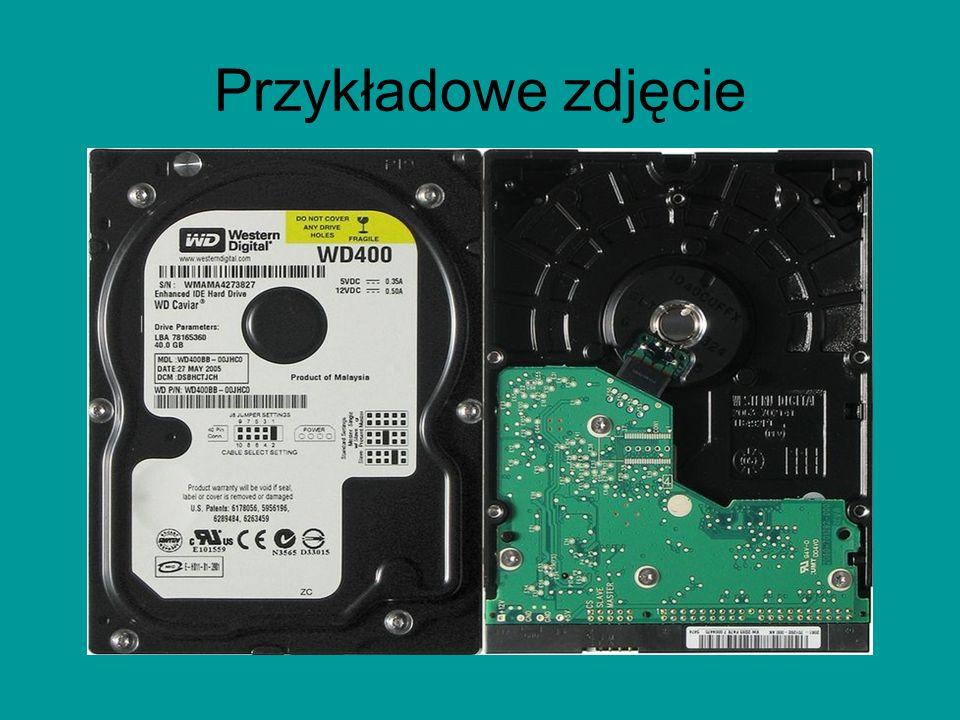 Informacje ogólne i troszkę historii Twardy dysk – jeden z typów urządzeń pamięci masowej, wykorzystujących nośnik magnetyczny do przechowywania danyc