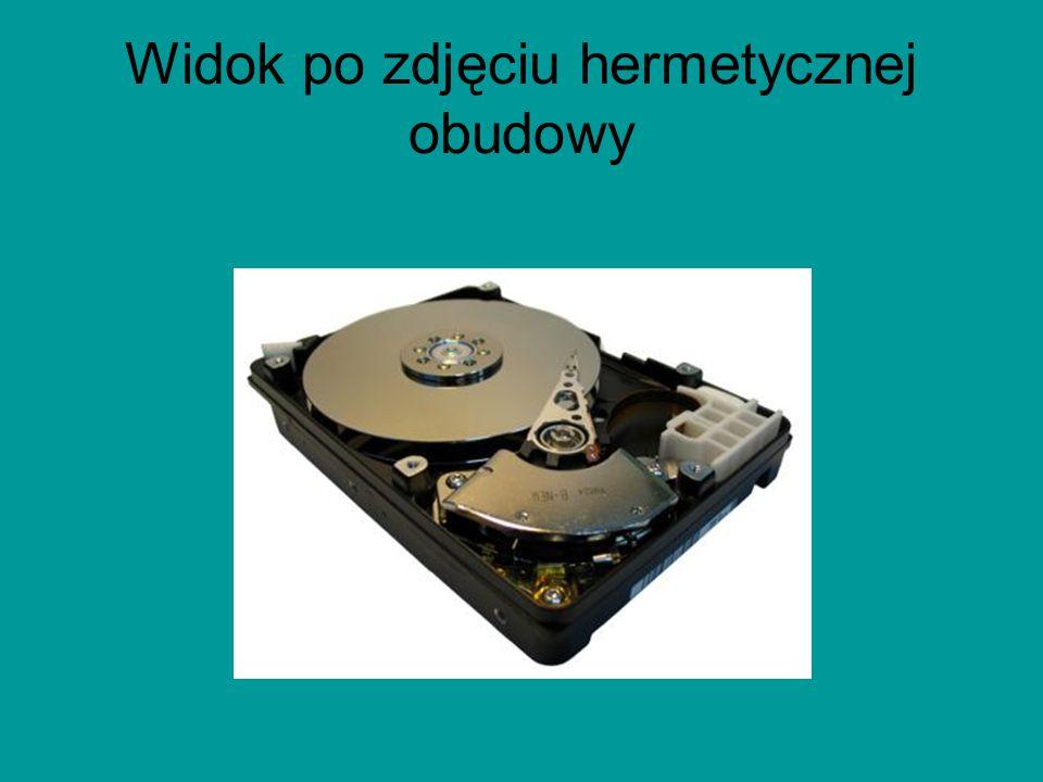Dane techniczne Pojemność dysków wynosi od 10 MB (współcześnie dyski kilkuset megabajtowe lub mniejsze w komputerach osobistych należą do rzadkości),