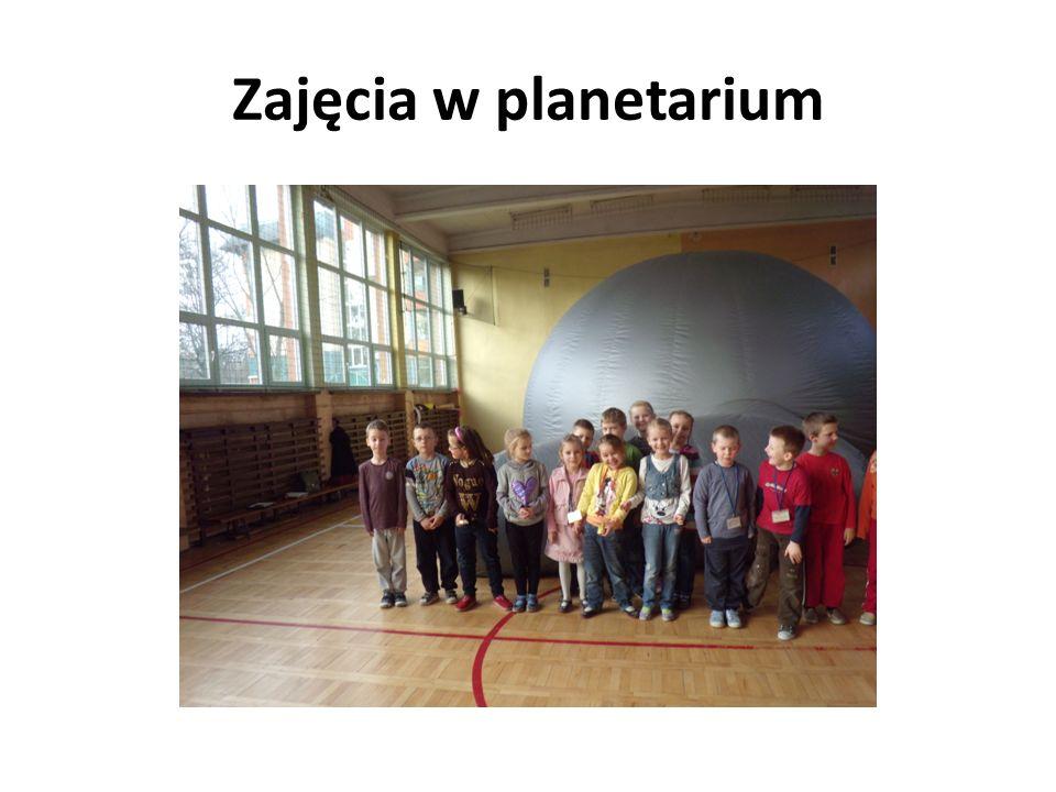 Zajęcia w planetarium