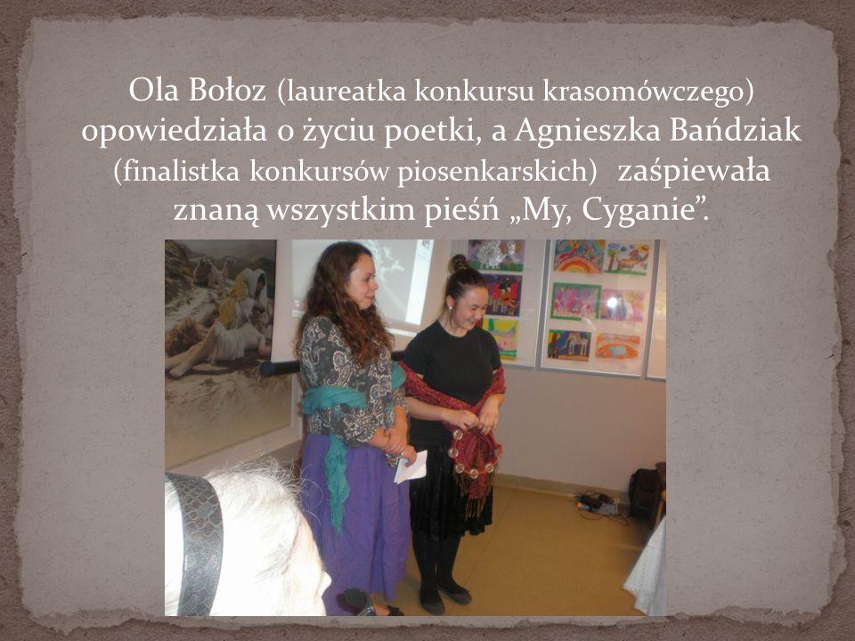 Ola Bołoz (laureatka konkursu krasomówczego) opowiedziała o życiu poetki, a Agnieszka Bańdziak (finalistka konkursów piosenkarskich) zaśpiewała znaną