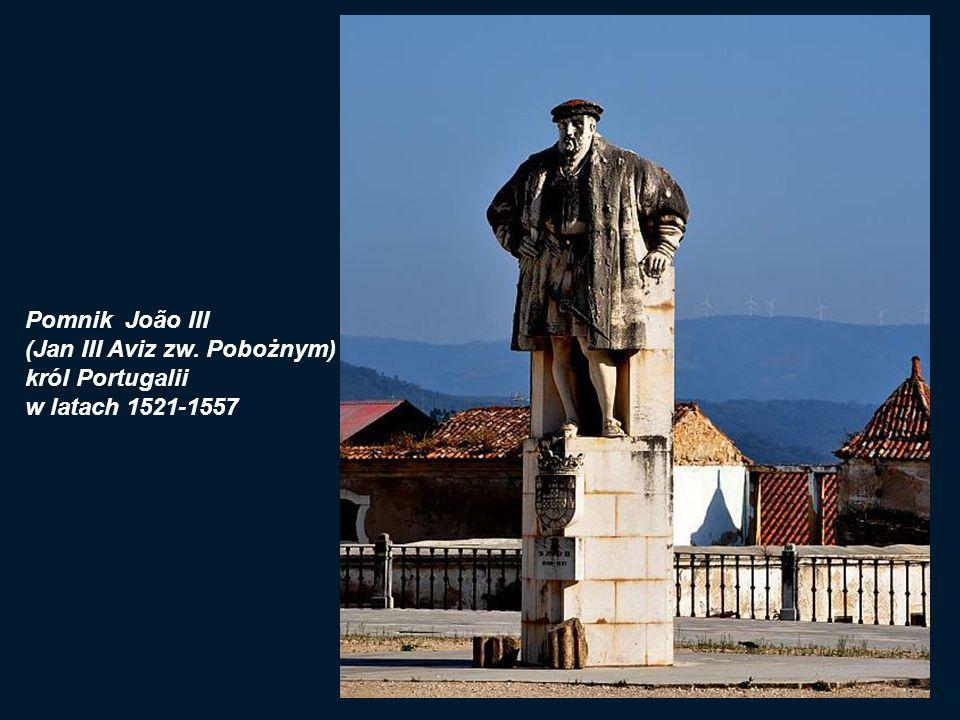 Zabudowania uczelni pochodzą z XVI wieku, kiedy to Joao III (Jan III zwany Pobożnym) ostatecznie i na stałe przeniósł Uniwersytet do Coimbry.
