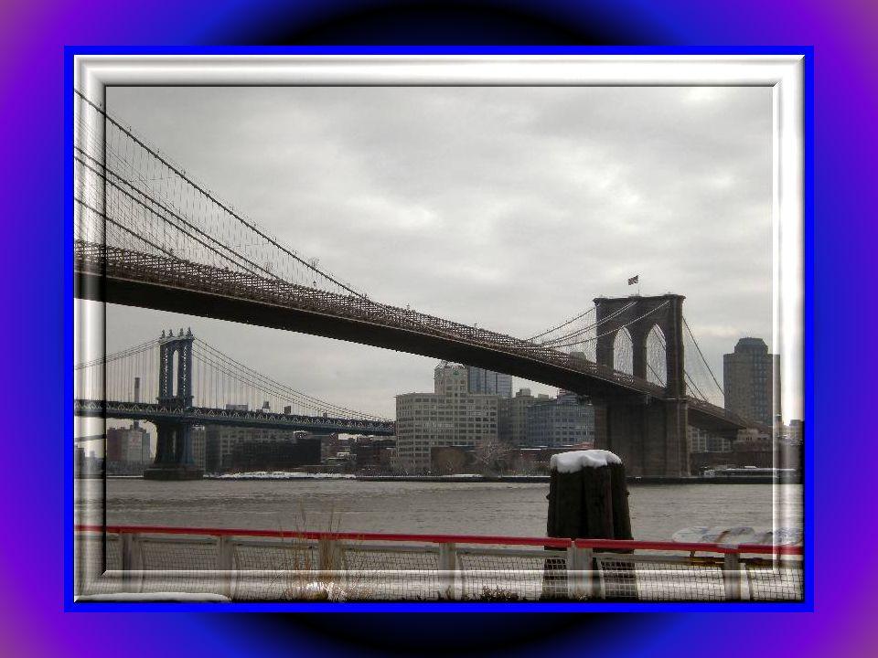 Most Brookliński zbudowany pod koniec XIX wieku nad East River.Jeden z symboli NY.To także jeden z najstarszych wiszących mostów na świecie. Brooklyn