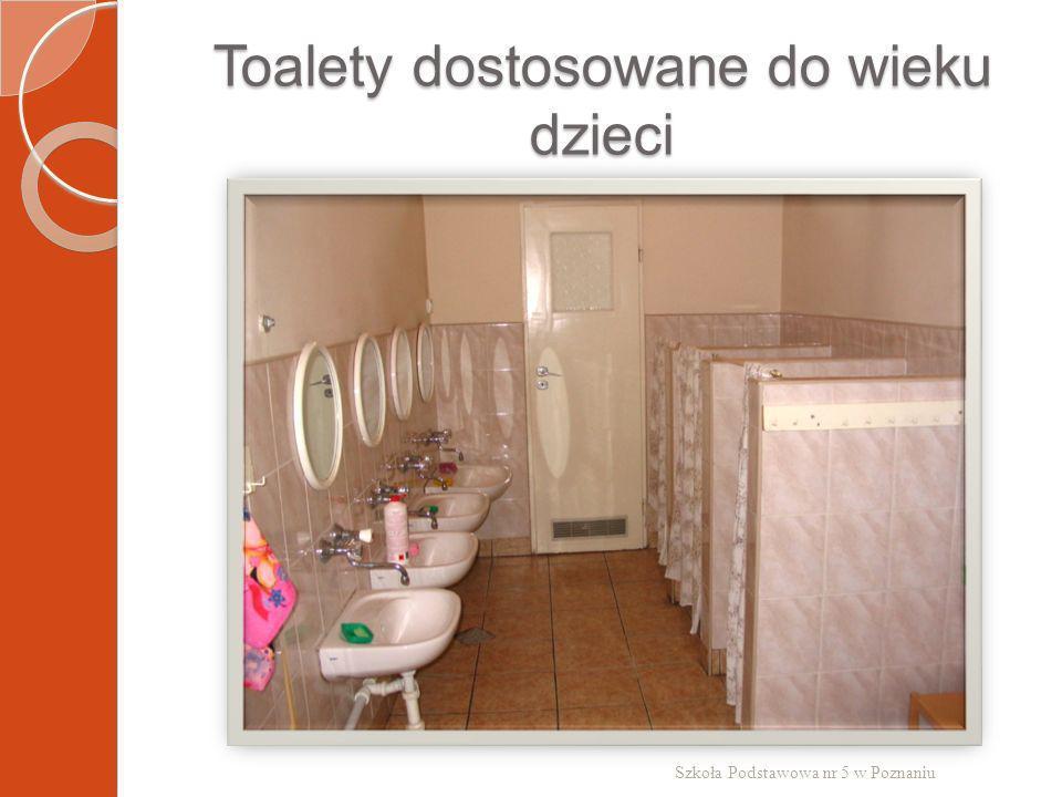 Toalety dostosowane do wieku dzieci Szkoła Podstawowa nr 5 w Poznaniu