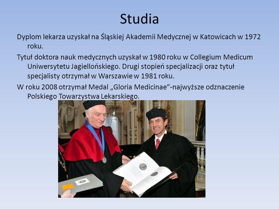 Studia Dyplom lekarza uzyskał na Śląskiej Akademii Medycznej w Katowicach w 1972 roku. Tytuł doktora nauk medycznych uzyskał w 1980 roku w Collegium M