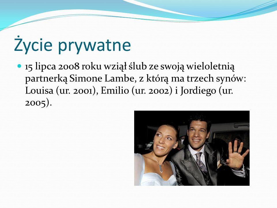 Życie prywatne 15 lipca 2008 roku wziął ślub ze swoją wieloletnią partnerką Simone Lambe, z którą ma trzech synów: Louisa (ur. 2001), Emilio (ur. 2002