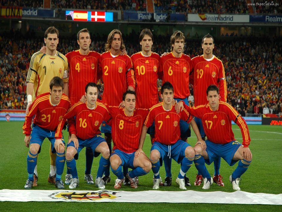 Reprezentacja Hiszpanii w piłce nożnej na arenie międzynarodowej zadebiutowała w 1921 roku, wygrała dziesięć pierwszych meczów. Przegrała dopiero w 19