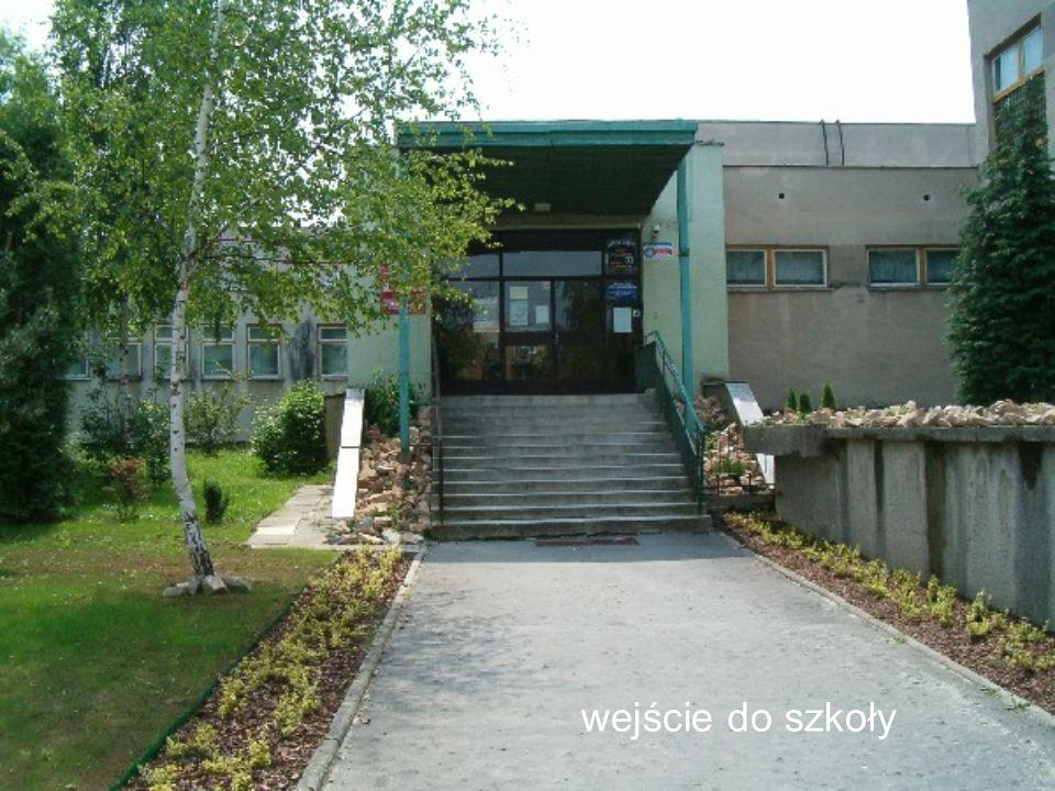 wejście do szkoły