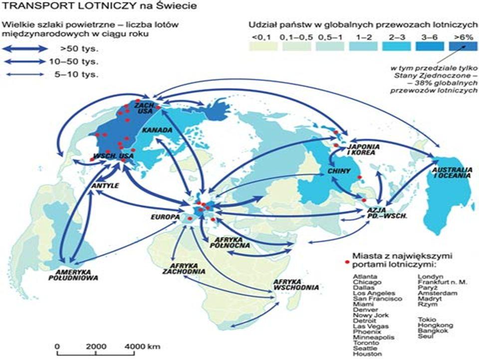 Zalety transportu lotniczego krótki czas przewozu, bardzo duży zasięg przestrzenny, bezpieczeństwo przewozu (relatywnie najbezpieczniejsza gałąź transportu) podatność transportowa do przewozu drobnicy w kontenerach lotniczych - konturowych