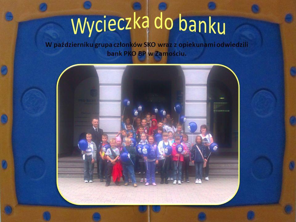 W październiku grupa członków SKO wraz z opiekunami odwiedzili bank PKO BP w Zamościu.