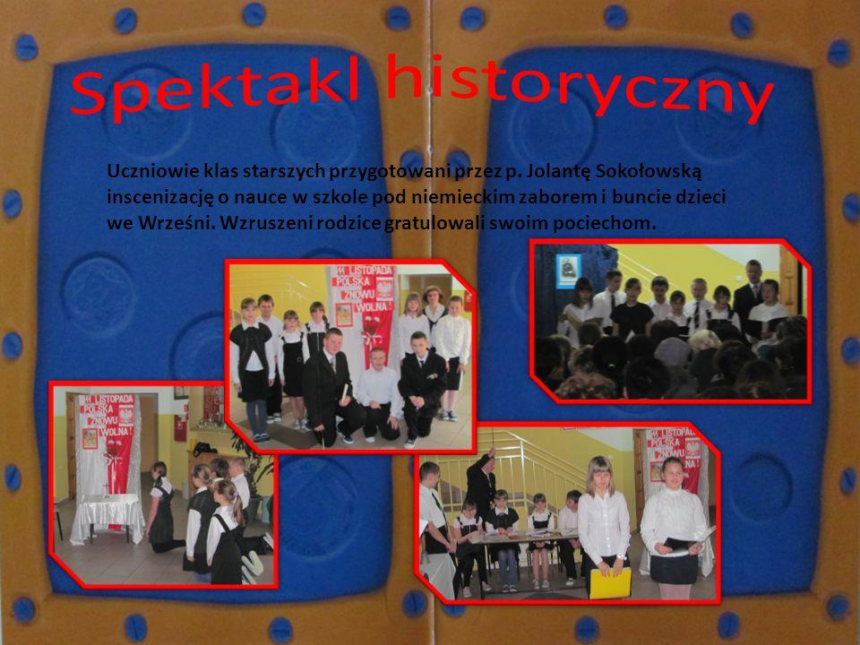Uczniowie klas starszych przygotowani przez p. Jolantę Sokołowską inscenizację o nauce w szkole pod niemieckim zaborem i buncie dzieci we Wrześni. Wzr