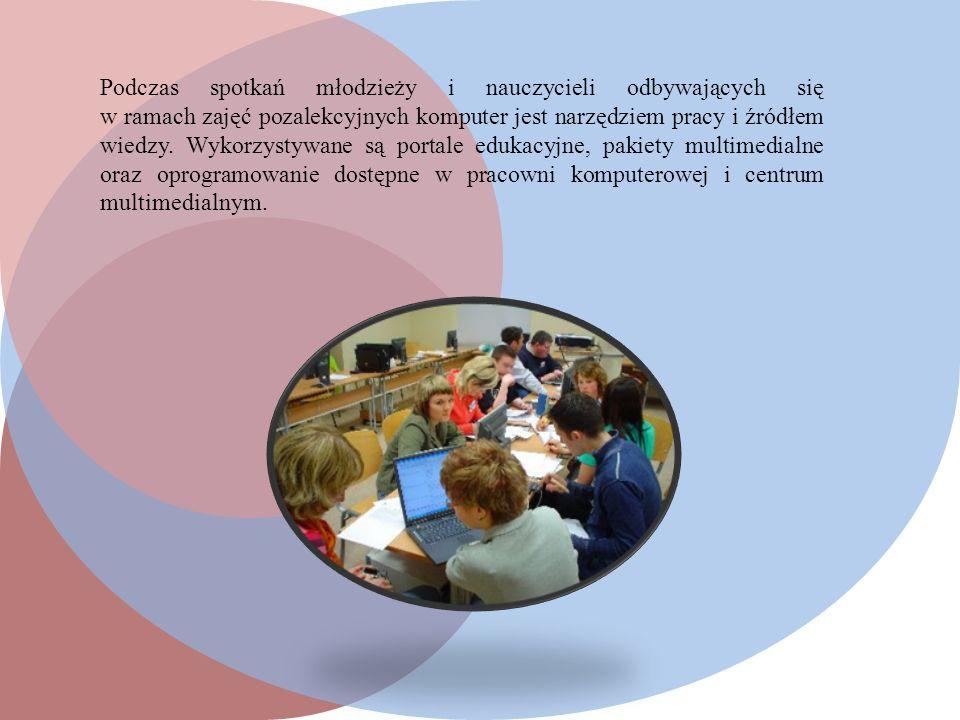 Podczas spotkań młodzieży i nauczycieli odbywających się w ramach zajęć pozalekcyjnych komputer jest narzędziem pracy i źródłem wiedzy.