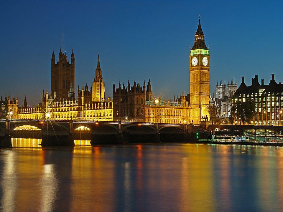 The Palace of Westminster siedziba parlamentu, który składa się z dwóch izb: niższej - House of Comous i wyższej - Hous of Lords. The Palace of Westmi