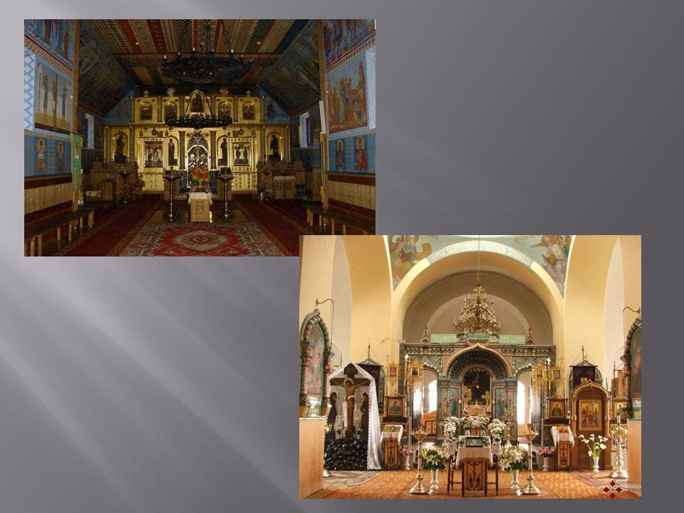 ikonostasem.Ołtarz – prezbiterium, miejsce najświętsze.