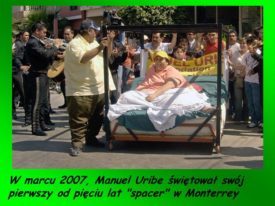 Meksykanin 41-letni Manuel Uribe, uznany w księdze rekordów Guinessa w 2007 r. za najgrubszego człowieka świata, schudł o 230 kilogramów. Teraz waży