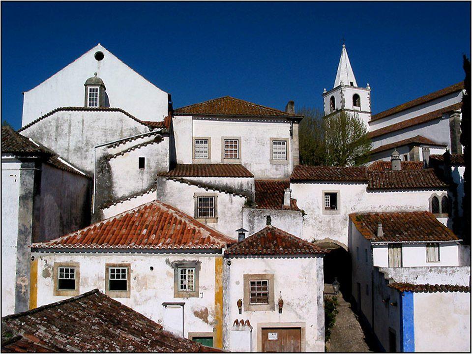 W 1755 r Obidos nawiedziło trzęsienie ziemi. Zniszczone budynki zostały precyzyjnie zrekonstruowane na istniejących fundamentach bez zmiany układu uli