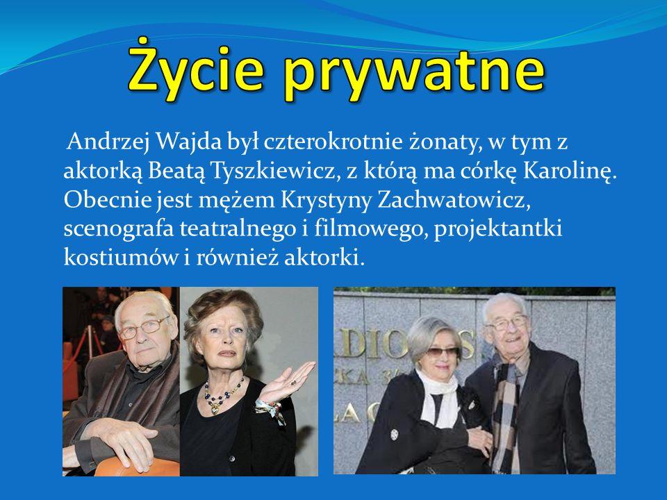 Andrzej Wajda na tarasie Centrum Manggha w Krakowie, sierpień 2004