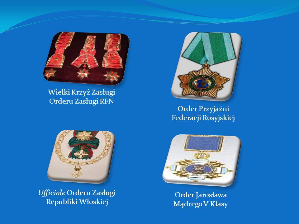Złoty Medal Zasłużony Kulturze Gloria Artis Złoty Medal Opiekuna Miejsc Pamięci Narodowej Order Cyryla i Metodego Order Krzyża Ziemi Maryjnej Commande