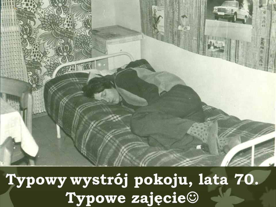 Typowy wystrój pokoju, lata 70. Typowe zajęcie