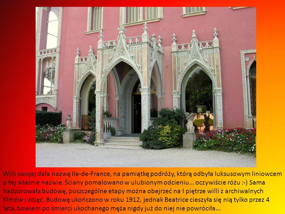 Z początkiem XX wieku baronowa nabyła 7 ha ziemi i zatrudniła belgijskiego architekta Aarona Messiaha by wzniósł wystawną rezydencję inspirowaną epoką