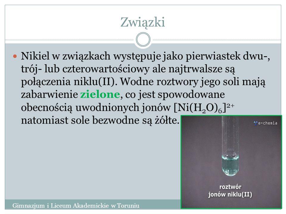 Związki Nikiel w związkach występuje jako pierwiastek dwu-, trój- lub czterowartościowy ale najtrwalsze są połączenia niklu(II). Wodne roztwory jego s