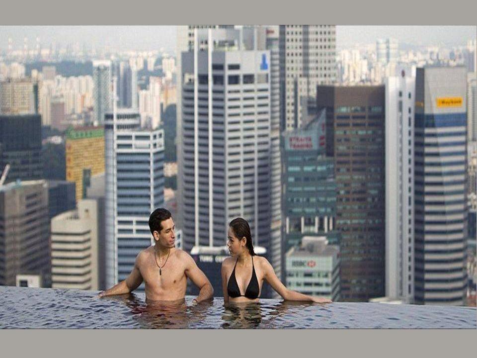 Powierzchnia basenu wynosi 12,5 tys. m 2