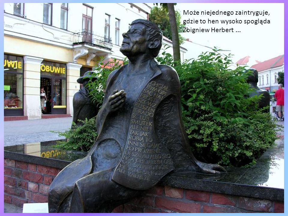 Przy ul. Bóżnic stoi budynek dawnej żydowskiej łaźni rytualnej (mykwy). 14 czerwca 1940 r. Właśnie spod tego budynku wyruszył pierwszy z Polski transp