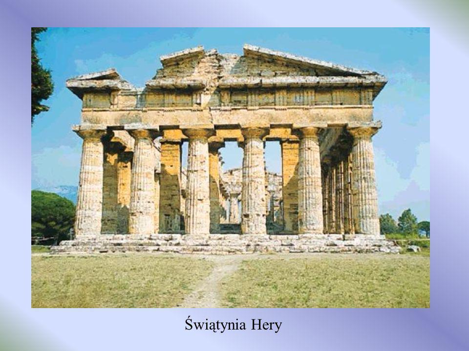 Teatr grecki – tu odbywały się starożytne przedstawienia....