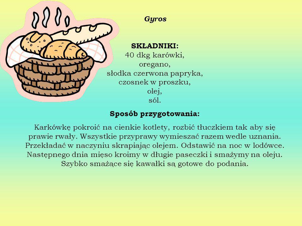 Dorsz po grecku SKŁADNIKI: 6 kostek filetów z dorsza (70 dag), 8 cebul (60 dag), 1/2 szklanki oliwy, 2 pomidory, 2 cytryny, 2 łyżki masła, 2 ząbki czo