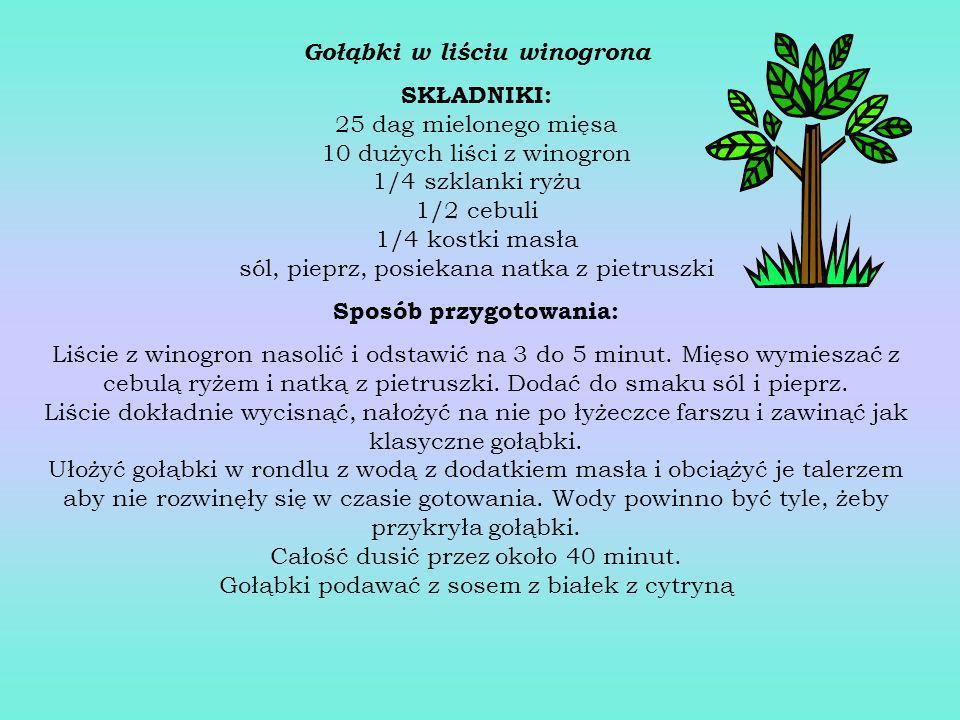 Kabaczek po grecku SKŁADNIKI: 1 kg kabaczka, 1/2 kg pomidorów, 4 cebule, 3 papryki, sól, 3/4 szklanki oleju Sposób przygotowania: Kabaczek obrać, prze