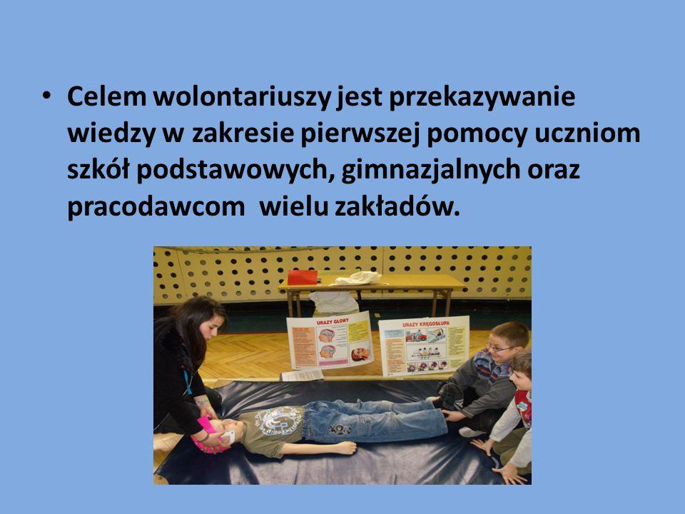 Szkoła jest zaopatrzona w różne pomoce dydaktyczne m.in.