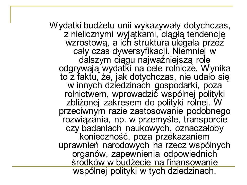 Finlandia ustrój polityczny: republika demokratyczna powierzchnia terytorium: 338150 km2 stolica: Helsinki oficjalny język: fiński liczba mieszkańców: 5 mln waluta: euro, dawniej marka fińska rok przystąpienia do Unii: 1995 PKB na jednego mieszkańca: 23 tys.