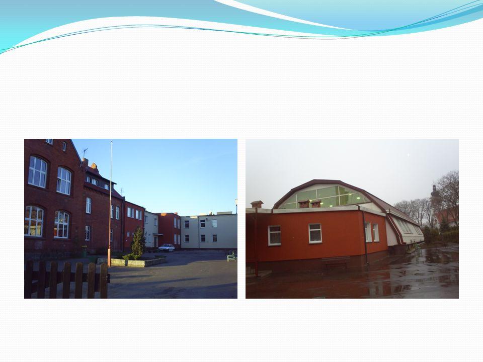 Budowa szatni (dwie odrębne szatnie: jedna dla szkoły podstawowej, druga dla gimnazjum)