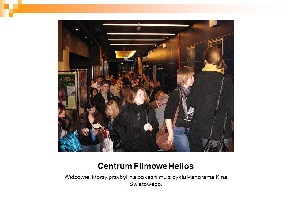 Centrum Filmowe Helios Widzowie, którzy przybyli na pokaz filmu z cyklu Panorama Kina Światowego.